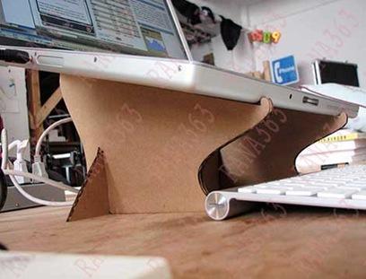 طريقة نع طاولة لاب توب في البيت 2021 , طاولة اللاب توب بالكرتون المقوى 2021 DIY-Cardboard-Laptop